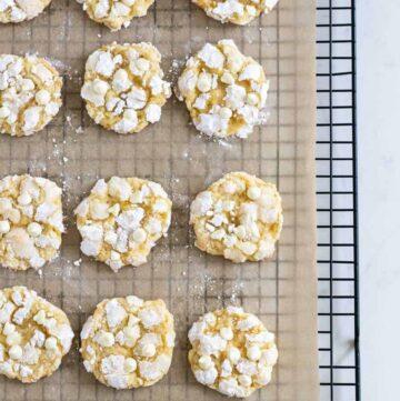 lemon crinkle cookies on cooling rack