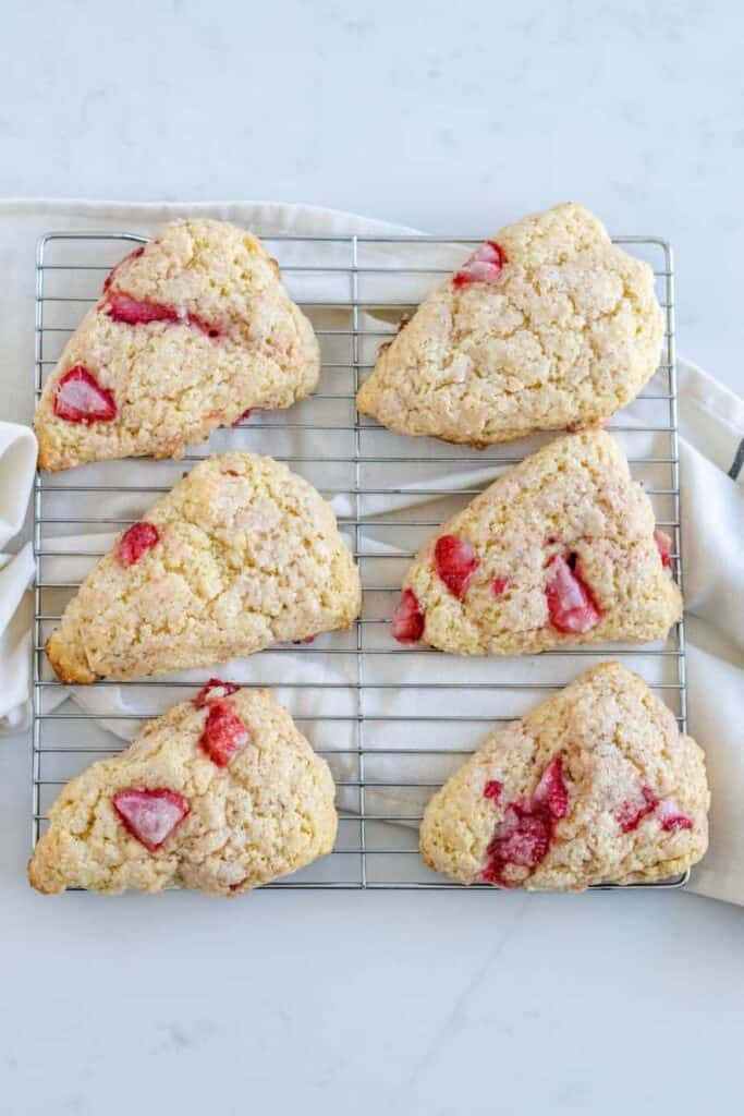 strawberry scones on cooling rack